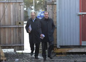Dumpade löner och villkor snedvrider konkurrensen på den svenska arbetsmarknaden, menar Socialdemokraternas partiledare Stefan Löfven och LO-ordförande Karl-Petter Thorwaldsson.