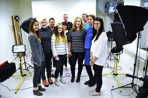 Skolelever i Sundsvall har gjort en antimobbningsvideo tillsammans med bandet Something Else.