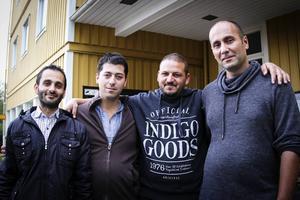 Issam Jamous, Bilal Tanta, Muneer Qajami och Ramy Haj Mousa är lyckliga att ha undkommit kriget i sitt hemland.