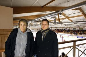 Robin Englund och Mikael Jedland är besvikna efter att under onsdagseftermiddagen fått beskedet att de sparkas från HHC:s trupp.