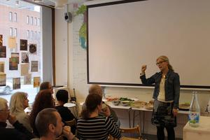Catarina Lundström, Länskulturen, bjöd i tisdags in blivande och etablerade författare till en nätverksträff på Designcentrum i Östersund.