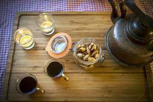 Glühwein och sockersaltade kanelmandlar.