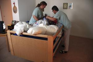 Undersköterskor är proffs på omvårdnad, menar Kommunal.