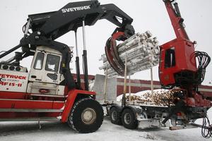 Tjärnviks Trä får två ägare. SCA och Persson Invest delar på aktiekapitalet.