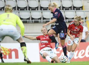 21-åringen Fridolina Rolfö från Göteborg spelar i Linköping. Hon är en av de mer orutinerade landslagsspelarna och gjorde sin debut mot Tyskland 2014.