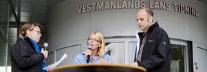 Utfrågas. Moderaternas Elisabeth Unell, i mitten, frågas ut av VLT:s Ann-Christine Kihl och Johan Kretz