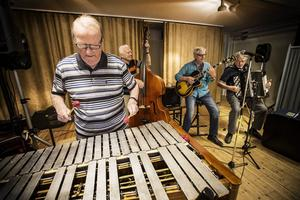 Bo Andersson i Bosse Eklund band spelade på en vibrafon.