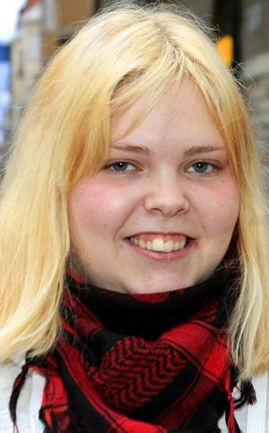 Elin Sandin, 20 år, Körfältet:   – Nja. Lite rädd är man att det ska komma hit. Men jag tror att Sverige kan klara av det om det händer. Vi har bra koll.