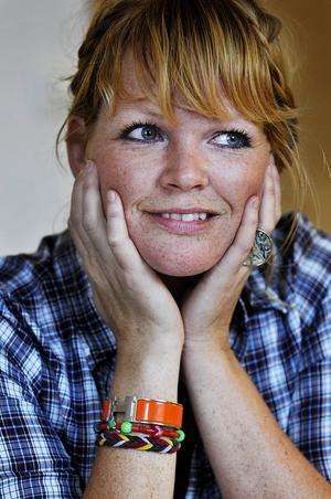 Belinda Olsson var programledare för Fittstim – Min Kamp som visades i SVT. Programmet är nominerat i kategorin