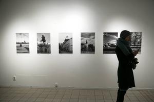 Galleri Se Konst samarbetar med Högskolan Dalarna och visar samtida ryskt fotografi.