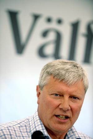 Osäkert kort. Lars Ohly talade på måndagskvällen i Almedalen. Han ogillas av många och frågan är om han kommer att hjälpa eller stjälpa Vänsterpartiet. foto: scanpix