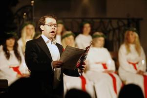 Andreas Olsson framförde bland annat O helga natt för publiken.