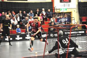 Elin Reinestrand gjorde matchens sista mål i och med 5–3 i slutet på andra.