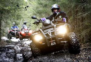 Fyrhjulingar kallas också ATV, vilket  står för