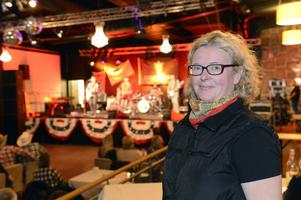Anna-Karin Dismats från Sälen är en av många som jobbar med arrangemanget och som vuxit in i countrymusiken.
