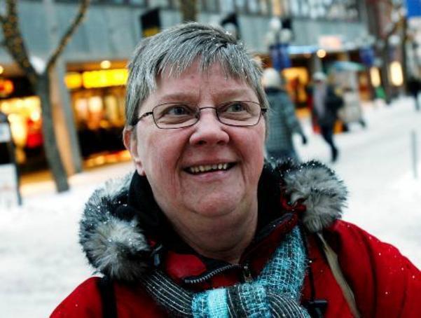 Vivi-Ann Mårtensson:– Nej jag satsar på varm choklad med vispgrädde i stället det ger bättre utdelning. Men jag säljer mycket spel på Ica där jag jobbar.