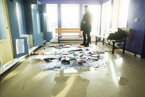 Skolan i Vågbro saboterades under fredags-kvällen. Vatten skadade lokalerna och saker vandaliserades.