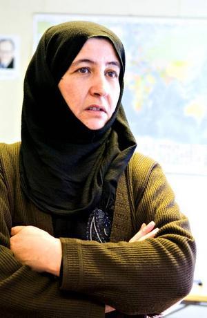 Stora svårigheter. Zehra Milli kan inte ta ut pengar på banken.