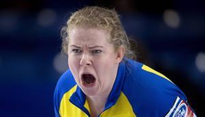 Sverige – med Margaretha Sigfridsson – förlorade mot hemmanationen i curling-VM i Kanada.
