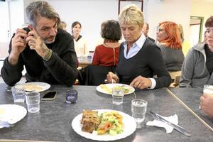 Matfråga. David Lindqvist, restaurangägare till Lilla Örebro och Stora Örebro och Inger Persson från Landsbygdsnätverket.