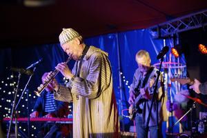 Roland Keijser var flitig med både klarinetten och saxofonen när han jammade med de andra musikerna.