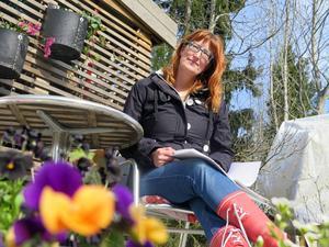 Det blir inte så mycket avkoppling för Wilma. Varje helg ägnas åt trädgårdsarbete.