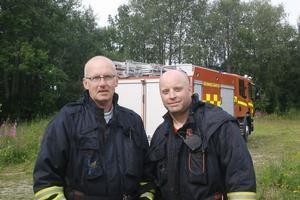 Stig Jonsson t.v och Micke Högdahl är åter beredda att leda en deltidsstyrka från Hassela. De var för övrigt båda i tjänst under torsdagsnattens husbrand i Bergsjö