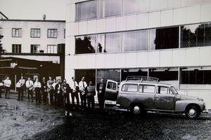 Offerten för Oskarshamn 1 lastas. Bilden är från någon gång 1963-1964.