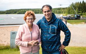 Kerstin Strandh och Daniel Fartousi är glada över att ungdomarna får komma till Fagersta Cabel Park.