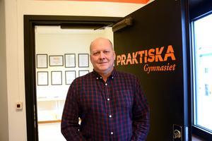 Per Håkansson har i dagarna meddelat sin nuvarande personal om beslutet att flytta till Ånge och axla jobbet som rektor för Bobergsgymnasiet.