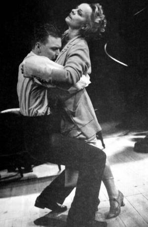 Mikael Persbrandt och Marie Göransson i 1998 års föreställning på Dramaten.