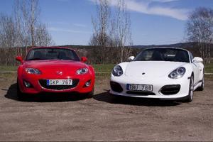 Nu är tiden inne för taklösa bilar. Här Mazda MX-5 och Porsches Boxster Spyder.Foto: Christer Lönnroth