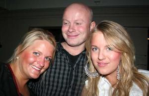 Blue Moon Bar. Mikaela, Jonas och Christell