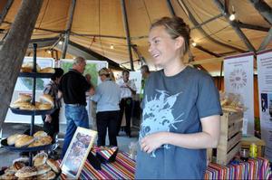 Johanna Östlund från det nyöppnade kaféet BAK i Funäsdalen var på plats och sålde bullar och bröd.