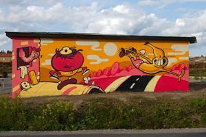 Robert Pettersson är konstnären bakom den klotterbekämpande grafittimålningen på Östernäs.