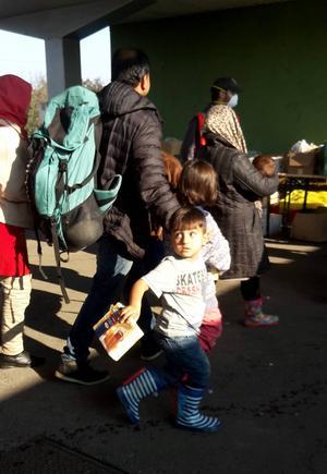 En stor del av de syriska flyktingar som försöker ta sig in i EU är barnfamiljer.