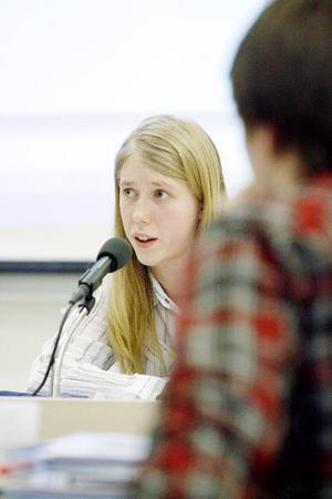Ungdomstingets ordförande Moa Wikén hade fullt upp med att ställa propositionsordning på alla tilläggsförslag.