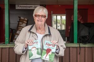 – Böckerna om Sigrid handlar om fädboliv och utspelas i Lidsjöberg i Jämtland. Man får följa Sigrid från tioårsåldern till nutid, säger Ann-Marie Wikander som är född och uppväxt i Linsell.