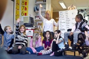 Hej-sången innehåller massor av olika språk och de flesta används av eleverna i första klass på Västra skolan.