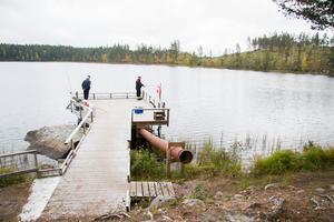 Den handikappsanpassade bryggan byggdes dels tack vare pengar från Norbergs kommun, men även tack vare Spännarhyttan-Nyhyttans fiskevårdsförening.