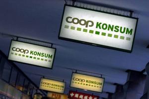 Det blir allt glesare mellan Coop-butikerna. Även i områden som av tradition varit kooperativa fästen vinner Icahandlarna oavbrutet terräng. Frågan är om Anders Sundström, styrelseordförande för såväl KF som Swedbank,  kan få ordning på torpet.