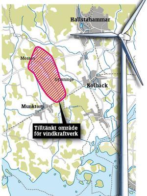 I sin linda. Svinskogen, rödmarkerat på kartan, skulle kunna bli föremål för ett antal vindkraftverk. Det kräver emellertid ett godkännande från samtliga markägare och närboende samt att ett antal övriga kriterier uppfylls. grafik: daniel guerra