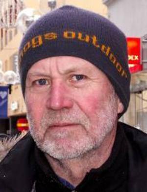 Gerhard Nilsson,60 år,Frösön:– Ja, i den mån jag kan. Jag använder lågenergilampor i hela lägenheten, och jag har vedeldning i sportstugan.