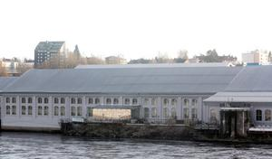 Öde i dag. Restaurang Älvans tillgångar i form av utsikt över Avestaforsen. De syns från andra sidan Dalälven. I mars är det meningen att gäster ska fylla restauranglokalerna igen.