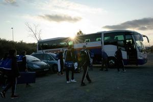 Mot bussen, mot hotellet, efter 1–1 på spansk mark.