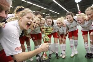 Högs SK jublar efter att ha vunnit Intersport Cup.