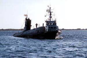 Den sovjetiska U-båten U137gick på grund i Gåsefjärden utanför Karlskrona. I samband med detta gav Fälldin order: