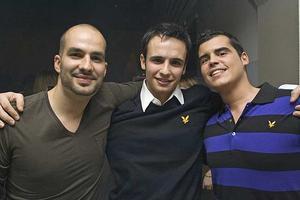 Pluto. Julian, Alberto och Miguel.
