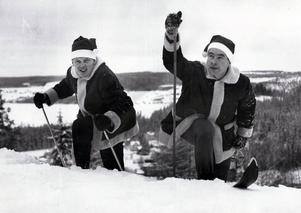 LT-sports två medarbetare Thord Eric Nilsson och sportchefen Leif Emsjö önskade tidningsläsarna god jul 1964.