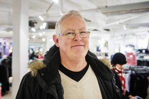 Anders Bäckström, Härnösand   – Det här är bara hysteri, men i dag ska jag köpa möbler i alla fall.